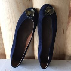 /anthro/ feather trinket flats navy blue leather Anthropologie feather trinket flats - by Pilcro and the Letterpress. Soft Italian suede, feather charms on the toe. Leather insole- true to size. Minor scuffs from normal wear- great condition! Size 7.5 Anthropologie Shoes Flats & Loafers
