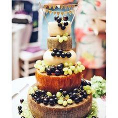 "Not your ""typical kinda cake"" looks yummy pic via @supertuscanweddingplanners #cheesecake #outdoorweddings #yummy #inspiration"