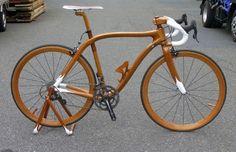 Mahagonie-Fahrrad von Sueshiro Sano