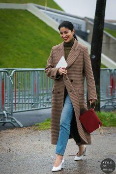 Paris Fashion Week Fall 2017 Street Style: Caroline Issa