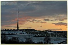 Emley Moor Mast at Sunset, April 2012 Beautiful Places In England, Farm Holidays, East Yorkshire, Vintage Tv, Wakefield, British Isles, East Coast, Cool Places To Visit, Wales