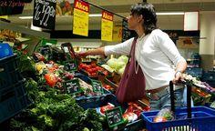 Horší cola, méně masa. Nadnárodní firmy dodávají na Slovensko nižší kvalitu
