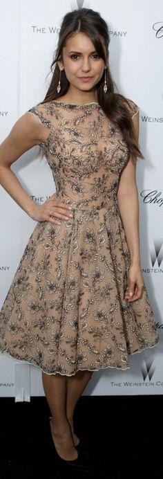 Nina Dobrev: Dress – Zuhair Murad    Shoes – Stuart Weitzman    Purse – Swarovski    Earrings – Carla Amorim