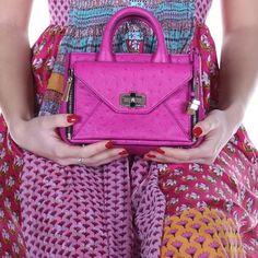 Diane von Furstenberg dress & bag 🌺