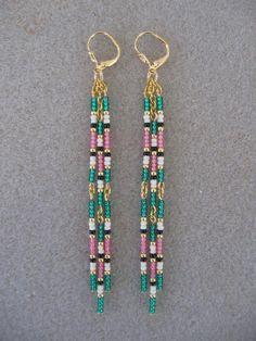 Seed Bead Earrings Green/Pink/Cream/Black by pattimacs on Etsy Beaded Earrings Patterns, Beaded Jewelry Designs, Seed Bead Jewelry, Bead Jewellery, Seed Bead Earrings, Jewelry Patterns, Boho Earrings, Earrings Handmade, Handmade Jewelry