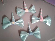 Items similar to Fairy Kei Unicorn Hair Bows on Etsy Unicorn Hair, Unicorn Party, Bow Art, Unicorn And Fairies, Hair Bow Tutorial, Craft Show Ideas, Making Hair Bows, Decoden, Ribbon Crafts