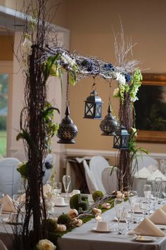 An unforgettable wedding celebration must be great to have with these best rustic wedding décor ideas. Check our recommendation below. Rustic Bridal Bouquets, Rustic Wedding Backdrops, Rustic Backdrop, Rustic Wedding Venues, Rustic Decor, Wedding Decorations, Rectangle Wedding Tables, Long Table Wedding, Wedding Blue