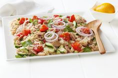 Skewers of skrei, quinoa salad and radish - Healthy Food Mom Talipia Recipes, Skyrim Food, Mousaka Recipe, Tuna Ceviche, Passionfruit Recipes, Gourmet Recipes, Healthy Recipes, Quinoa Salat, Pasta Salad