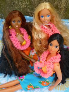 1987 Island Fun girls: Christie (Philippines), Barbie (Malaysia), Teresa (Hong Kong) by Patty Is Totally Addicted To Barbie, via Flickr