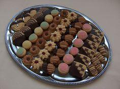 lakodalmas sütemények - Google keresés Acai Bowl, Cookies, Breakfast, Google, Food, Acai Berry Bowl, Crack Crackers, Morning Coffee, Biscuits