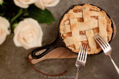 Mini Apple Pie in a mini cast iron skillet | Photos and Life [Sweet Twooth]