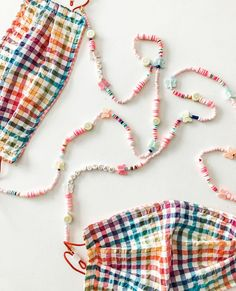 Diy Mask, Diy Face Mask, Beaded Jewelry, Beaded Bracelets, Crochet Mask, Lanyard Necklace, Accesorios Casual, Fashion Face Mask, Handmade Crafts