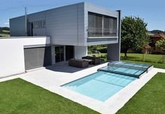 Kratzfeste Poolüberdachung aus Echtglas - Made in Austria