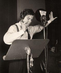 """Hoy 13 de febrero, Día Mundial de la Radio, recordamos a Orson Welles y a su representación radiofónica de """"La Guerra de los Mundos"""". Fue tan realista que la gente de New Jersey de verdad ¡¡creyó que los estaban invadiendo!!"""