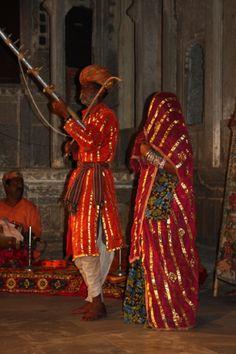 Instrument et costumes traditionnels. Pour plus d'infos, consultez www.voyageinindia.fr