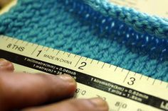 How to Measure Knit Gauge: 9 Steps (with Pictures) - wikiHow Easy Knitting Patterns, Knitting Stitches, Knitting Projects, Hand Knitting, Knitting Ideas, Crochet Poncho, Craft Party, Crochet Crafts, Gauges
