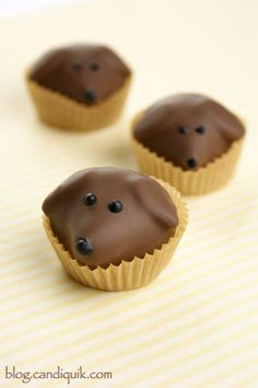 Peanut Butter Pups - perfect for any dog lover! These would also be great to sell at a pet rescue fundraiser/event. @Miss CandiQuik #doglover #peanutbutter