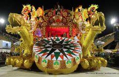 fotos em destaque dos carros alegóricos do carnaval -