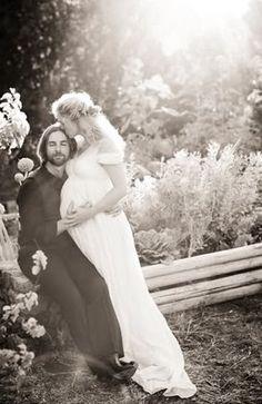 Baby Bump Wedding Photo