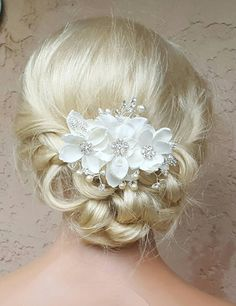 Check out this item in my Etsy shop https://www.etsy.com/listing/398257375/bridal-hair-comb-wedding-comb-decorative