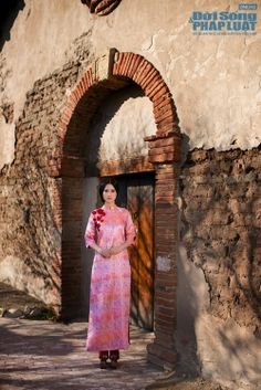 Vietnamese Traditional Dress, Traditional Dresses, Ao Dai, Clothes, Outfits, Clothing, Kleding, Outfit Posts, Coats