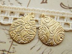Floral Embossed Teardrop Charms Drops in Raw by alyssabethsvintage, $3.10