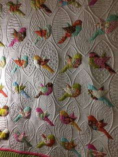 New patchwork quilting designs Ideas Crazy Quilting, Colchas Quilting, Quilt Stitching, Free Motion Quilting, Applique Quilts, Quilting Ideas, Machine Embroidery Quilts, Bird Applique, Embroidered Quilts