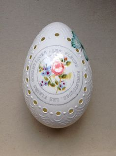 Items similar to Goose White Egg Madeira Hand Decorated Painted Easter Egg with Decoupage on Etsy Christ Is Risen, Egg Crafts, Egg Shells, Easter Eggs, Paint Colors, Decoupage, Decorative Plates, Old Things, Hand Painted