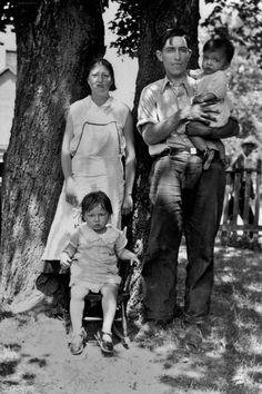 IROQUOIS MOHAWK FAMILY , 1936