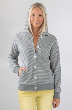 Makia Button Up huppari Grey Stripe 89,90 € www.dropinmarket.com