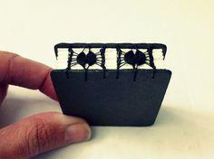 miniature fancy coptic stitch book - By Canteiro de Alfaces - livro miniatura encadernação rendada