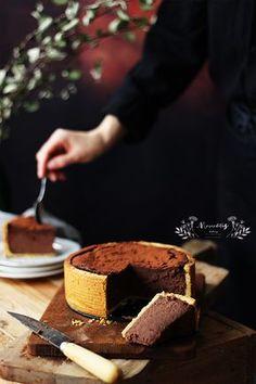 """Si hay un postre que siempre triunfa en cualquier celebración, este es sin duda el """" cheesecake """". La tarta de queso siempre es u... Chocolate Mousse Recipe, Chocolate Desserts, Baking Recipes, Cake Recipes, Dessert Recipes, Queso Ricotta, Ricotta Cheesecake, Chocolate Festival, Cupcakes"""