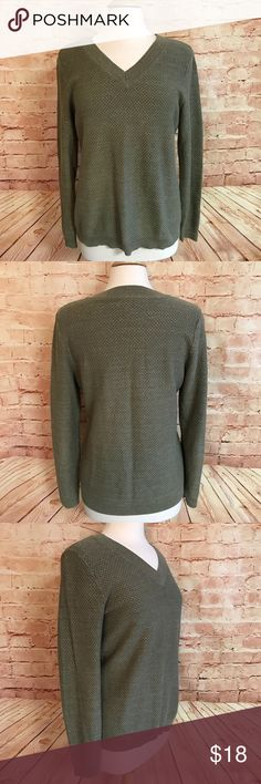 Croft & Barrow Military Green V-Neck Sweater Beautiful Croft & Barrow Medium Thick V-Neck Sweater with Metallic Threading. Comfort and Warm for Cool Fall Days with a pair of jeans and Boots. 84% Cotton, 10% Polyester, 6% Metallic. Machine Wash Cold croft & barrow Sweaters V-Necks