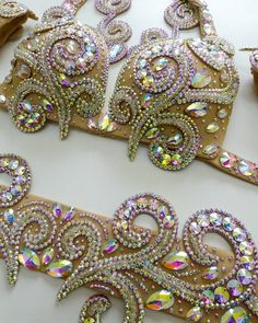 Bead Embroidery Tutorial, Embroidery Neck Designs, Beaded Embroidery, Jazz Dance Costumes, Belly Dance Costumes, Rhinestone Art, Fancy Dress Accessories, Tribal Belly Dance, Ballroom Dance Dresses