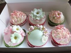 Cupcakes by JolavyRose | We Heart It