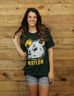 Are you proud to be a BAYLOR BEAR?! Show it off with this vintage tee!