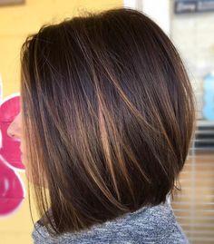 # 44: Gerade Layered Cut mit Bright Balayage Eine helle balayage und gefiederten Schichten die besten Möglichkeiten sind Textur und Bewegung glattes Haar zu bringen. Medium Haarschnitte für dicke glatte Haare zeigen off seine Dichte und gesunden Glanz, auch wenn es nicht natürlich ist. #long bob hairstyles for thick hair red 80 Sensational mittlere Länge Haircuts für kräftiges Haar Popular Short Hairstyles, Short Hairstyles For Thick Hair, Haircut For Thick Hair, Hairstyles 2016, Medium Bob Hairstyles, Ponytail Hairstyles, Short Hairstyles With Highlights, Vintage Hairstyles, Shoulder Length Hairstyles