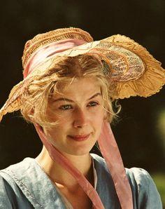Rosamund Pike as Jane Bennet inPride and Prejudice (2005).