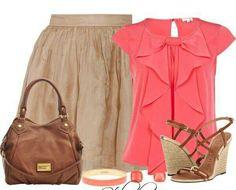 Falda color café y blusa color coral
