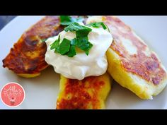 (could use Earth Balance and vegan sub for sour cream) Potato Cutlets with Mushroom Filling (Zrazy) Recipe - Картофельные зразы. New Recipes, Vegetarian Recipes, Cooking Recipes, Favorite Recipes, Potato Cutlets, Chicken Cutlets, Vegan Dishes, Food Dishes, Mashed Potato Patties