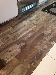 Carrelage imitation parquet fans votre cuisine et salle for Carrelage imitation plancher bois