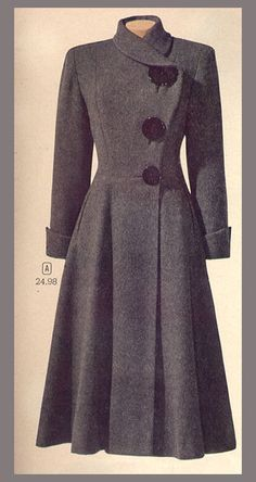 Vintage coat … I love the huge buttons in three different sizes and pretty much … - vintage outfits Retro Mode, Vintage Mode, Vintage Style, 1940s Style, 50s Vintage, Retro Fashion, Vintage Fashion, Womens Fashion, Trendy Fashion