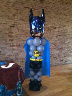 Batman balloon structure Lego Batman Party, Batman Birthday, Superhero Birthday Party, Halloween Birthday, Birthday Parties, Superhero Balloons, Balloon Crafts, Balloon Ideas, Balloons And More