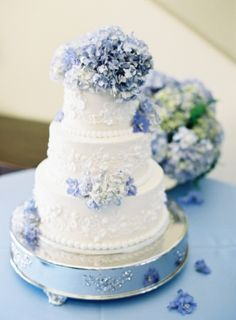 Classic cake with blue hydrangeas. Wedding Cakes by Charlie.  | photography by http://www.michaelandcarina.com