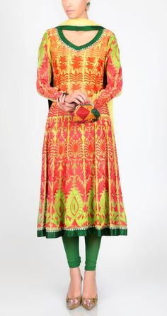 Vibrant colors of this anarkali
