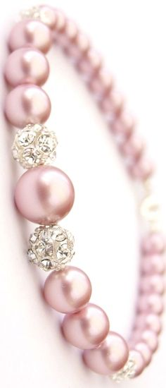 Jewelry Diamond : Step away from classic white pearls and give these beautiful pink pearls a try! - Buy Me Diamond Pearl Jewelry, Diy Jewelry, Jewelry Box, Jewelery, Jewelry Accessories, Jewelry Making, Pearl Rings, Jewelry Bracelets, Handmade Jewelry