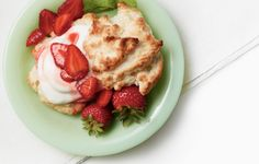 Organic Strawberry Shortcake with coconut sugar #recipe @The Bombshell Mommy