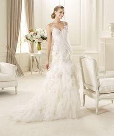 Honorable A-line Spaghetti Straps V-neck Lace Ruffles Sweep/Brush Train Tulle Wedding Dresses : Wedding Dresses, Bridesmaid Dresses, Gowns Online Shop, | Aisle Style UK