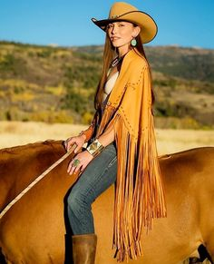 43 clothing essentials that every college girl likes 17 Sexy Cowgirl, Cowgirl Chic, Cowgirl Style, Western Look, Western Chic, Western Wear, Fashion Moda, Look Fashion, Fashion Outfits