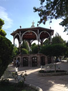 Kiosko en el jardin de Jerez
